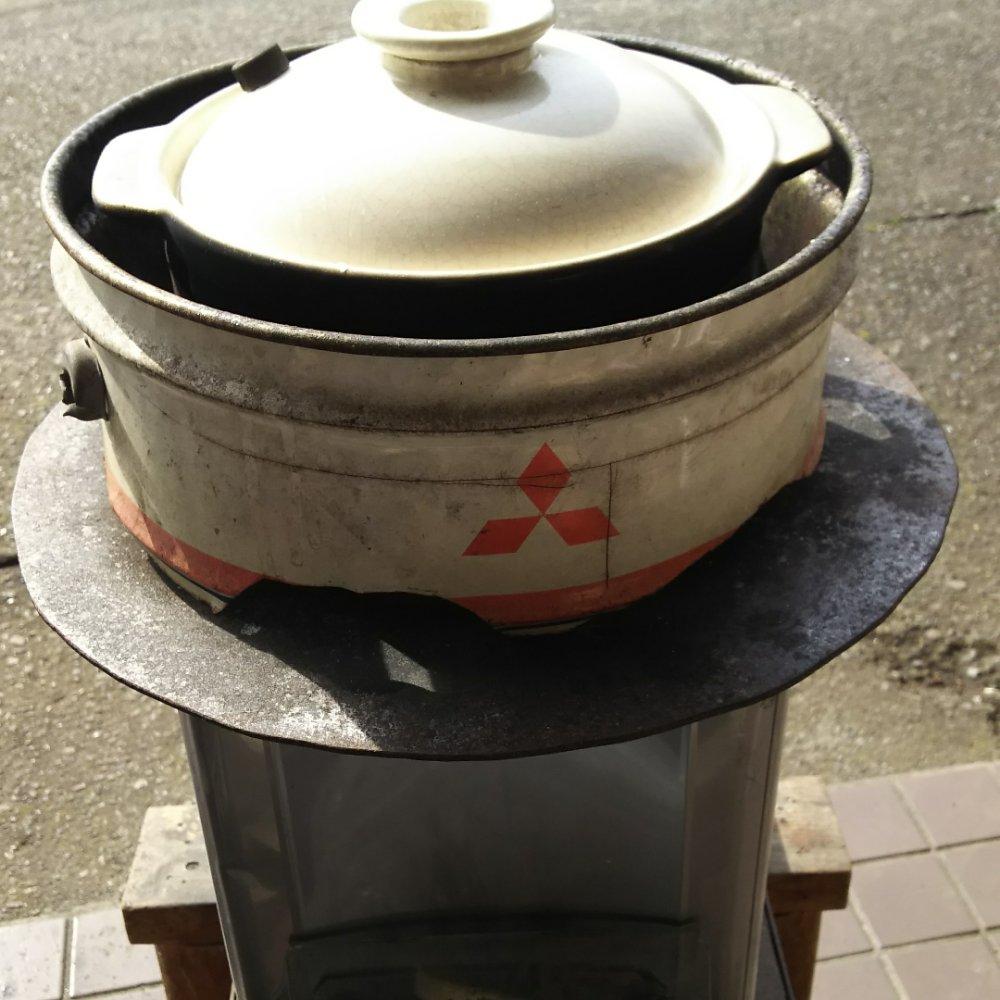 暑くてもやります。薪焚き土鍋の試食米